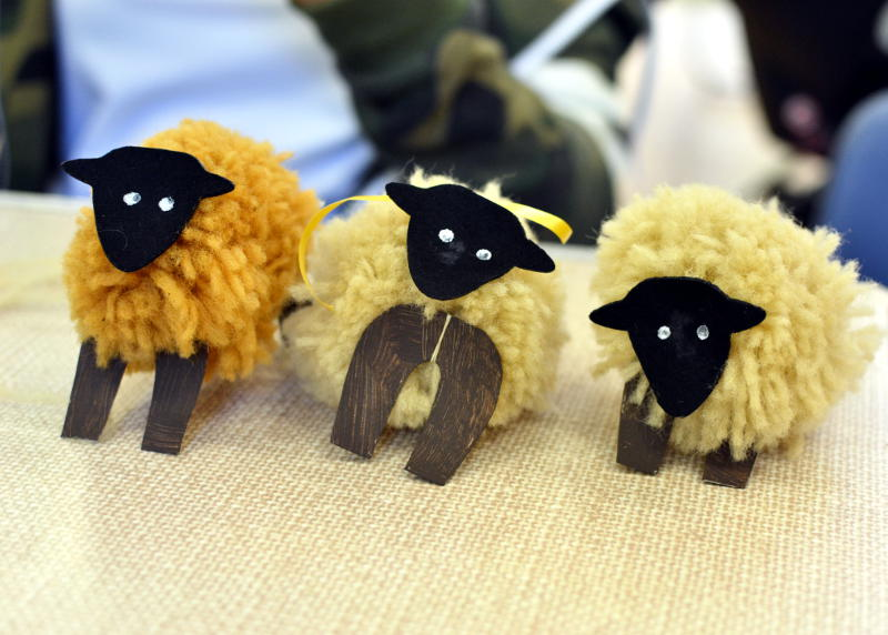 Craft activity: Making woolly sheep